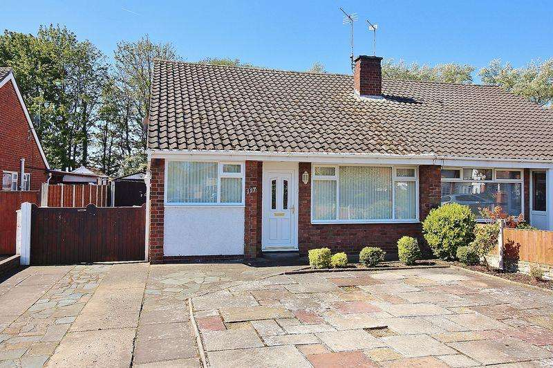 3 Bedrooms Semi Detached Bungalow for sale in Cornwall Way, Ainsdale