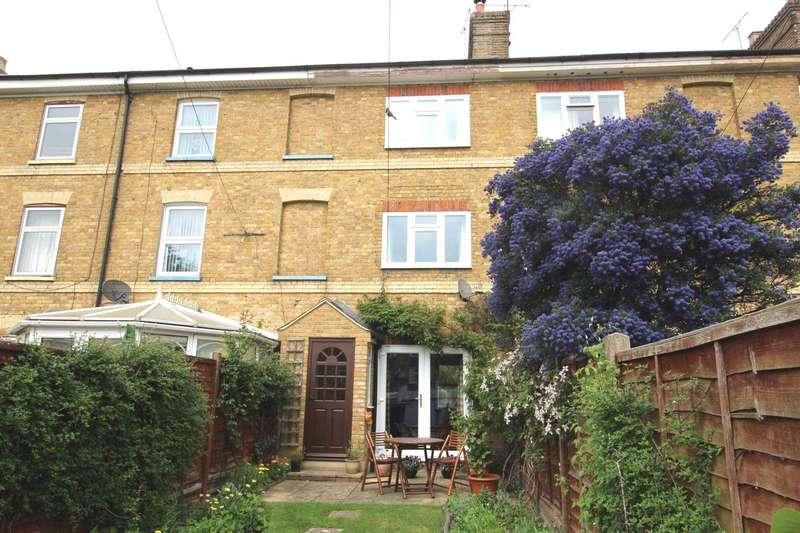 3 Bedrooms Terraced House for sale in Stock Terrace, Heybridge