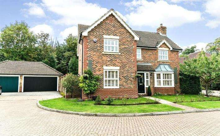 4 Bedrooms Detached House for sale in Mitchell Road West Malling ME19