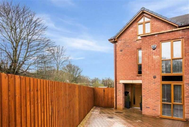 4 Bedrooms Town House for rent in Stanley Road, Worsley