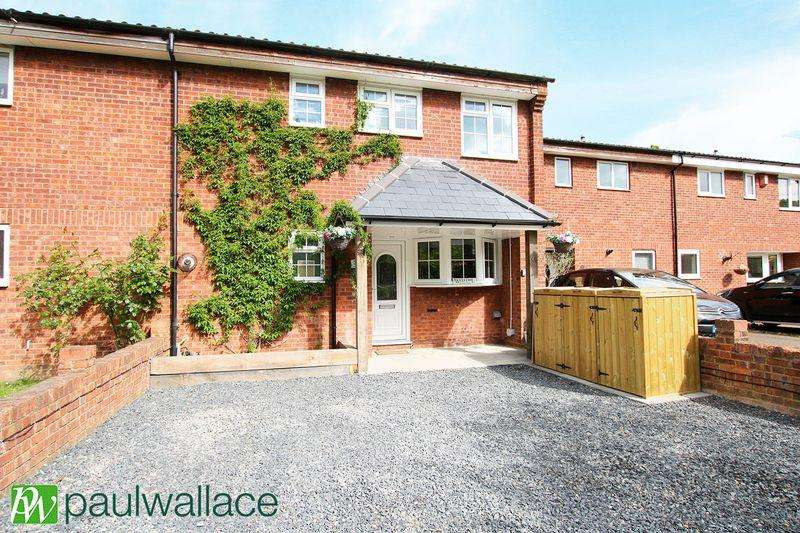 3 Bedrooms Terraced House for sale in Valence Drive, West Cheshunt