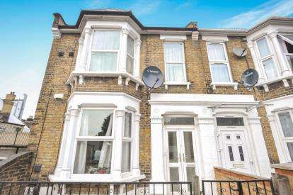 5 Bedrooms End Of Terrace House for sale in London, Na
