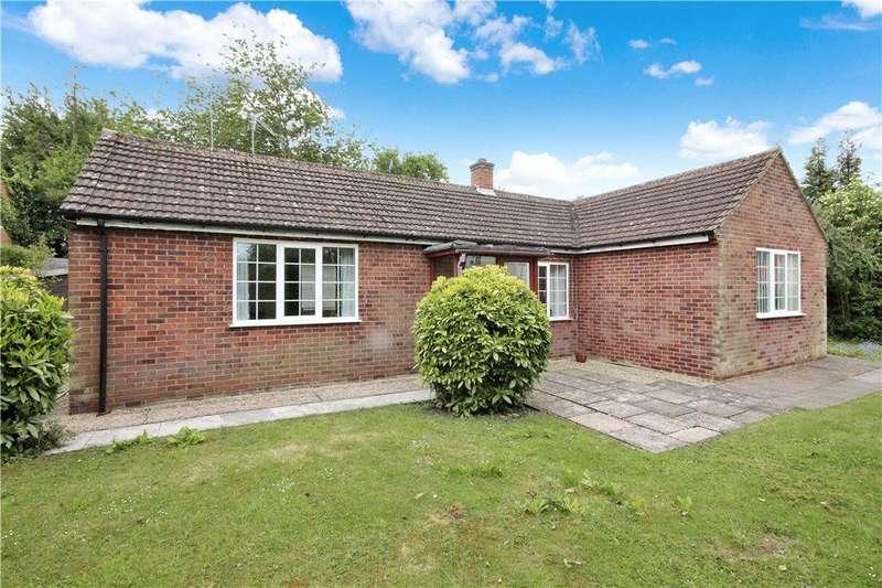 2 Bedrooms Detached Bungalow for sale in Banbury Road, Ettington, Stratford-upon-Avon, Warwickshire, CV37