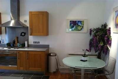 2 Bedrooms Flat for rent in Colquitt Street L1