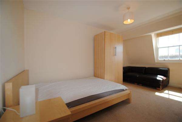 2 Bedrooms Apartment Flat for sale in Cave Court, Wilder Street, Bristol
