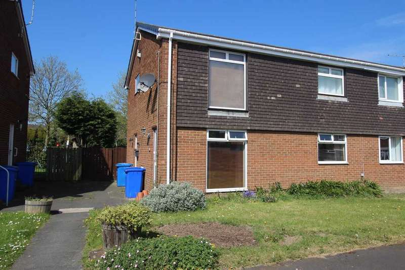 2 Bedrooms Flat for sale in Poole Close, Eastfield Chase, Cramlington