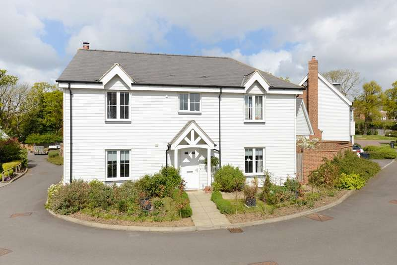 5 Bedrooms Detached House for sale in Joseph Conrad Drive, Aldington, Ashford, TN25