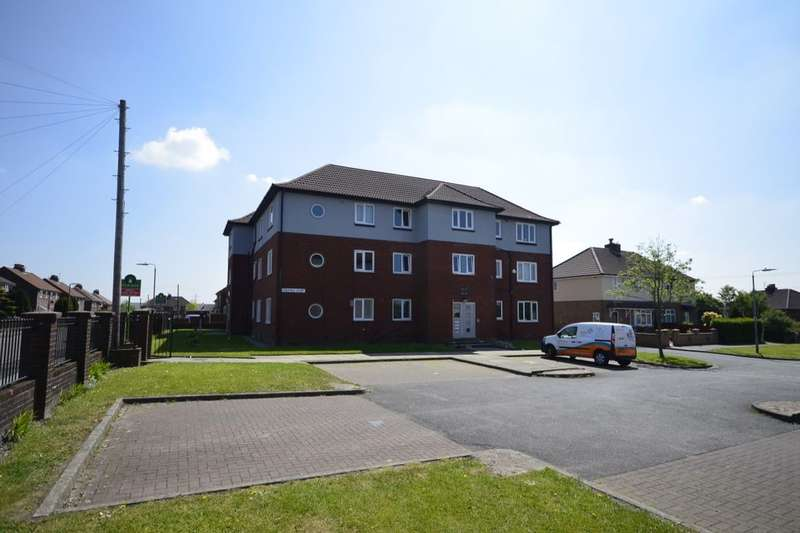 2 Bedrooms Flat for sale in Masefield Drive, Farnworth, Bolton, BL4