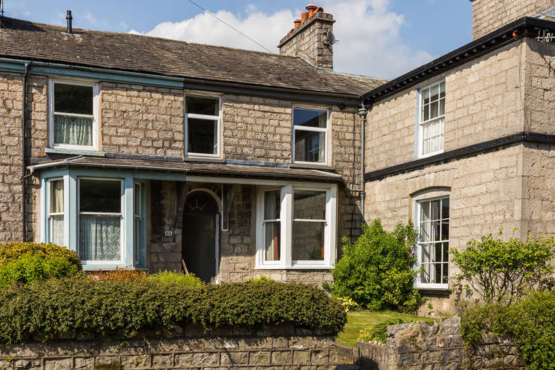 3 Bedrooms Town House for sale in 63 Castle Street, Kendal, Cumbria, LA9 7AD