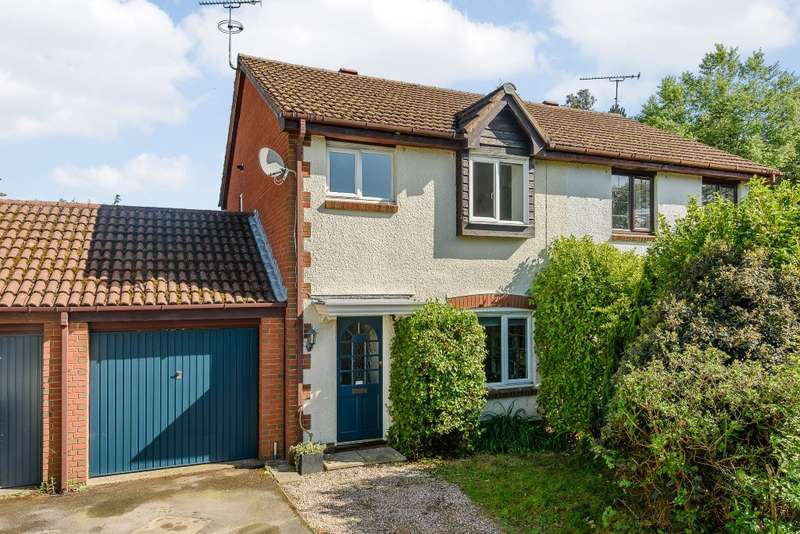 3 Bedrooms Semi Detached House for sale in Wrecclesham