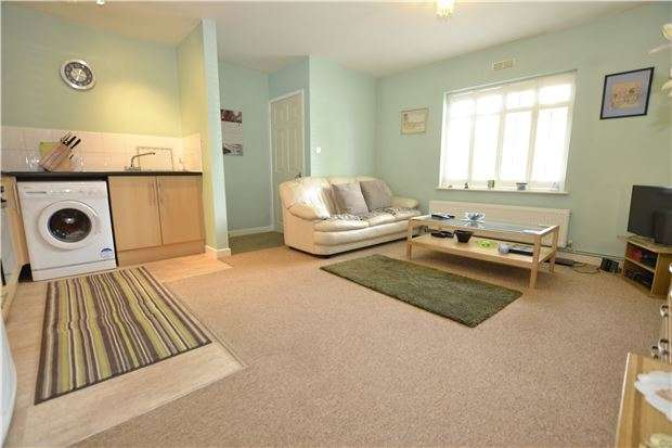 2 Bedrooms Flat for sale in Bishopthorpe Road, Bristol, BS10 5AD