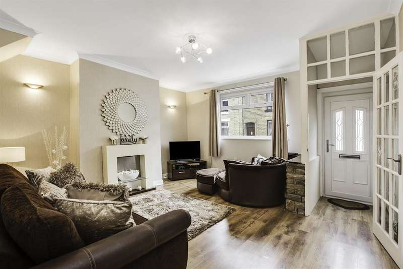 2 Bedrooms Terraced House for sale in Brown Lodge Street, Smithy Bridge, OL15 0EP