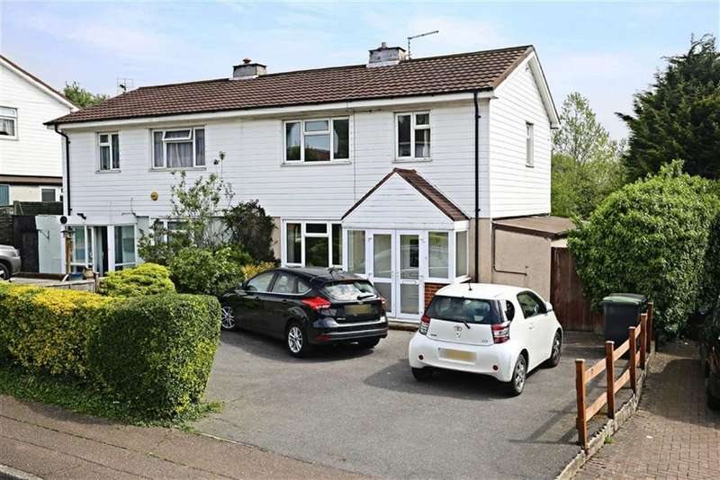 4 Bedrooms Property for sale in Sunnyside Road, Epping