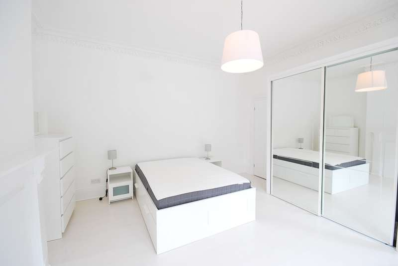 3 Bedrooms Flat for rent in Claremont Road, Spital Tongues
