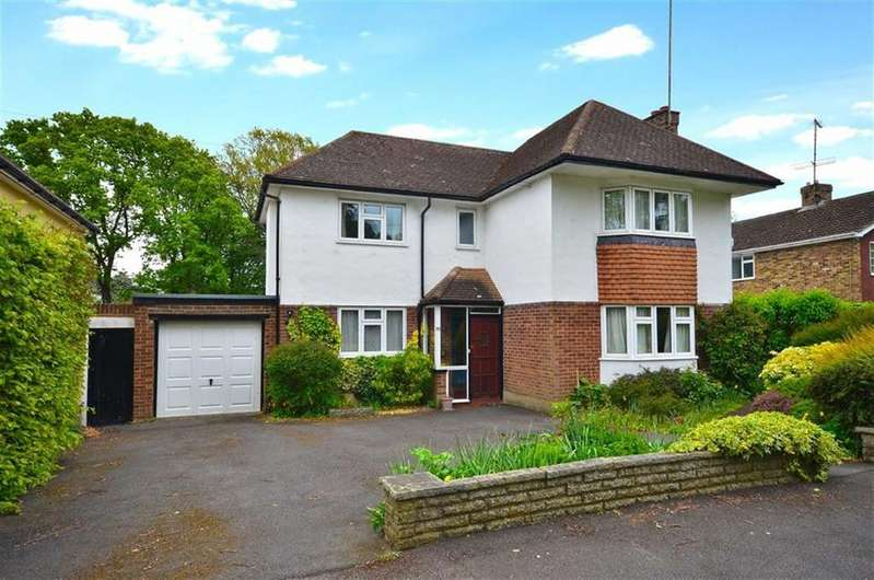 3 Bedrooms Detached House for sale in Carpenters Wood Drive, Chorleywood, Hertfordshire