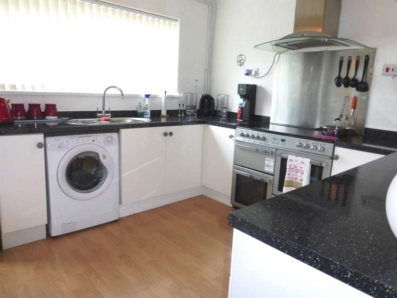 3 Bedrooms Terraced House for sale in Llanrumney Avenue, Llanrumney, Cardiff