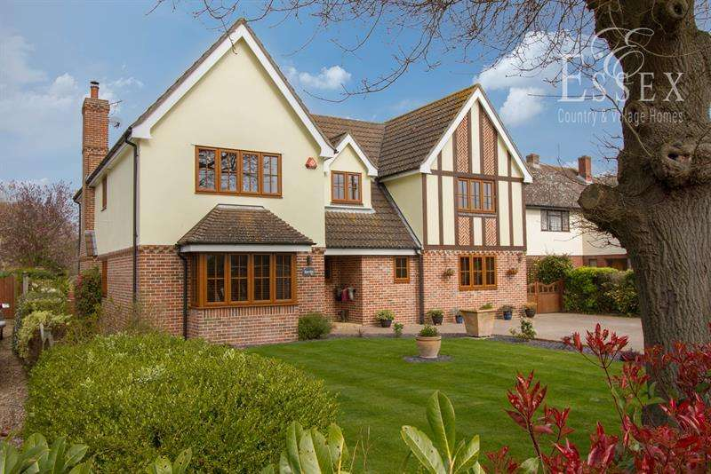 5 Bedrooms Detached House for sale in Vicarage Lane, Thorpe-le-Soken