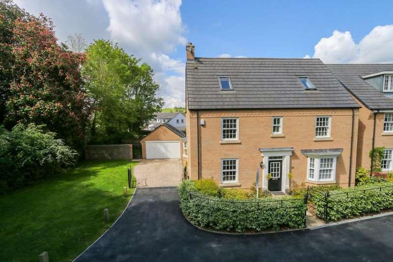 6 Bedrooms Detached House for sale in Beacon Drive, Newton Abbot