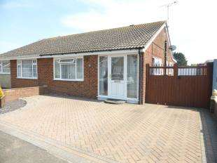 3 Bedrooms Bungalow for sale in Laurel Avenue, St. Marys Bay, Romney Marsh, Kent