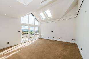 4 Bedrooms Detached House for sale in Rochester Road, Halling, Rochester, Kent
