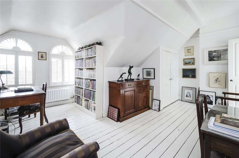3 Bedrooms Flat for sale in Challoner Court, Challoner Street, London, W14