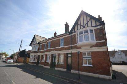 1 Bedroom Flat for sale in Southminster, Essex, UK