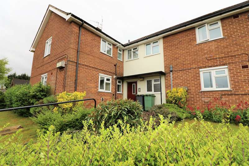 2 Bedrooms Flat for sale in Glebe Hey Road, Wirral, CH49 8HF