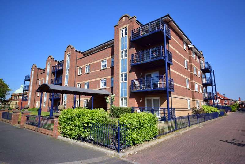 2 Bedrooms Ground Flat for sale in Kings Road, Lytham St Annes, FY8
