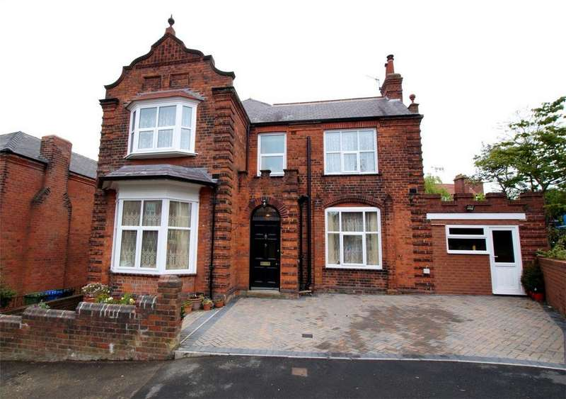 4 Bedrooms Detached House for sale in Alexandra Park, Scarborough