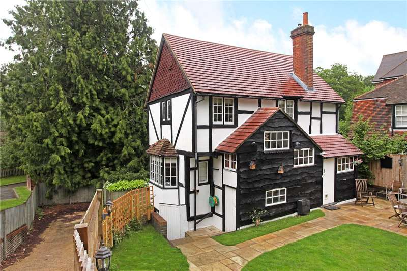 3 Bedrooms Detached House for sale in Kings Road, Haslemere, Surrey, GU27