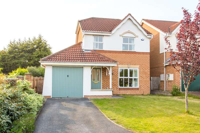 3 Bedrooms Detached House for sale in Stonelea Court, Meanwood, Leeds, West Yorkshire, LS7