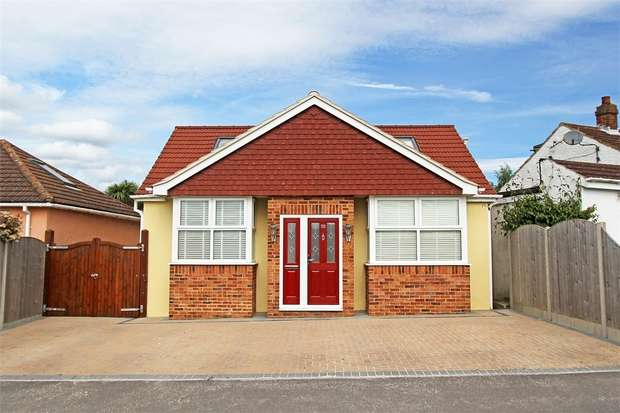 4 Bedrooms Detached Bungalow for sale in Wises Lane, Sittingbourne, Kent