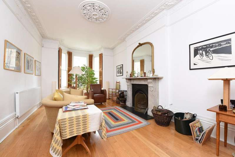 4 Bedrooms Semi Detached House for sale in Vardens Road, SW11