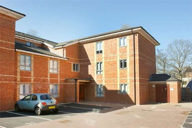 1 Bedroom Flat for sale in Longley House