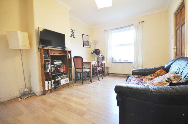 3 Bedrooms Terraced House for sale in Wulfstan Street, East Acton, London, W12