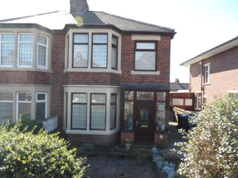 3 Bedrooms Semi Detached House for sale in Patterdale Avenue, Blackpool, FY3 9QU