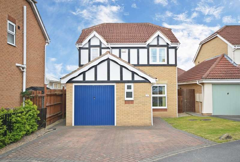 3 Bedrooms Detached House for sale in Millcroft Rise, Lofthouse