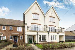 3 Bedrooms Terraced House for sale in Kiln Walk, Westhampnett, Chichester, West Sussex