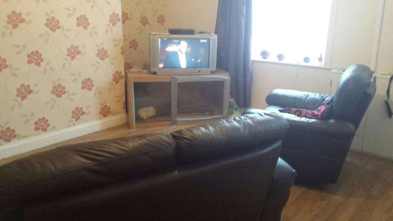 2 Bedrooms Terraced House for sale in Manchester Road, Oldham, Lancashire, OL9 7EL
