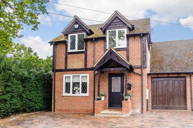 3 Bedrooms House for sale in Ottershaw
