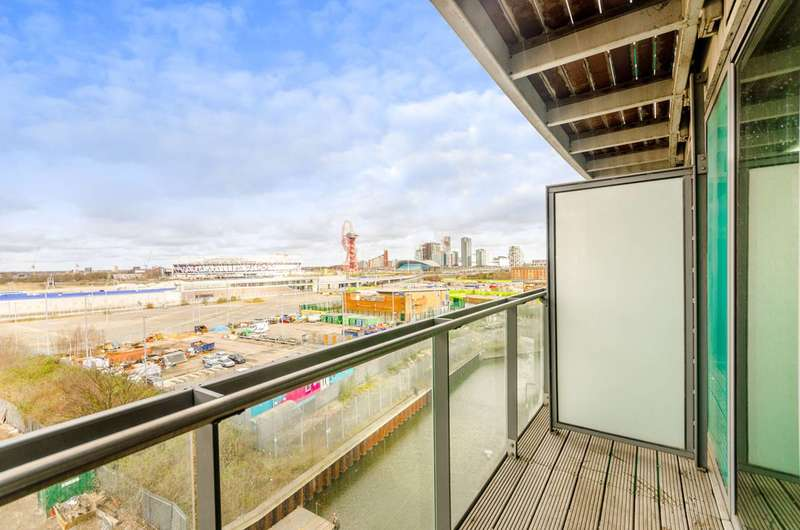 1 Bedroom Flat for sale in High Street, Stratford, E15