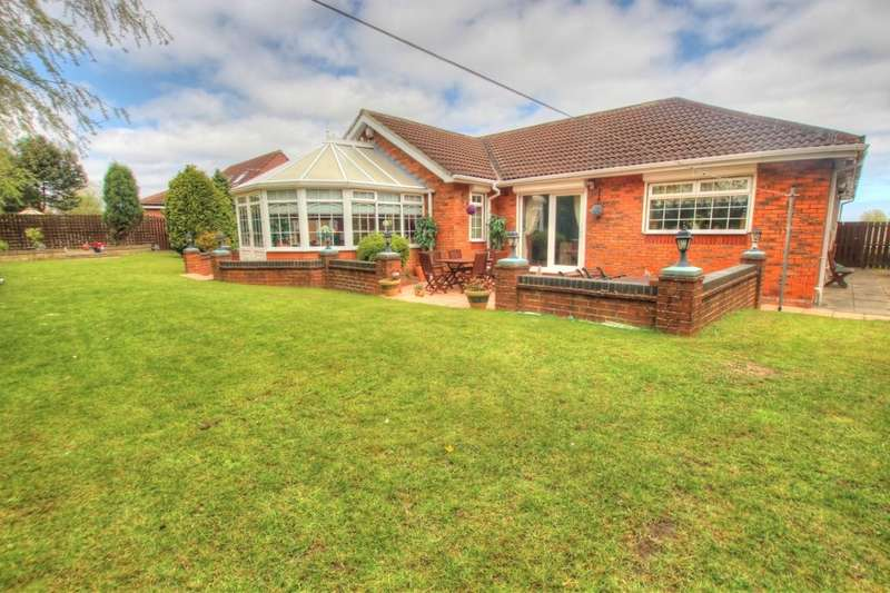 4 Bedrooms Detached Bungalow for sale in White House Way, Gateshead, NE10