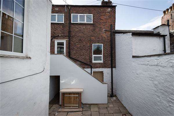 2 Bedrooms Apartment Flat for sale in Chester Road, Macclesfield