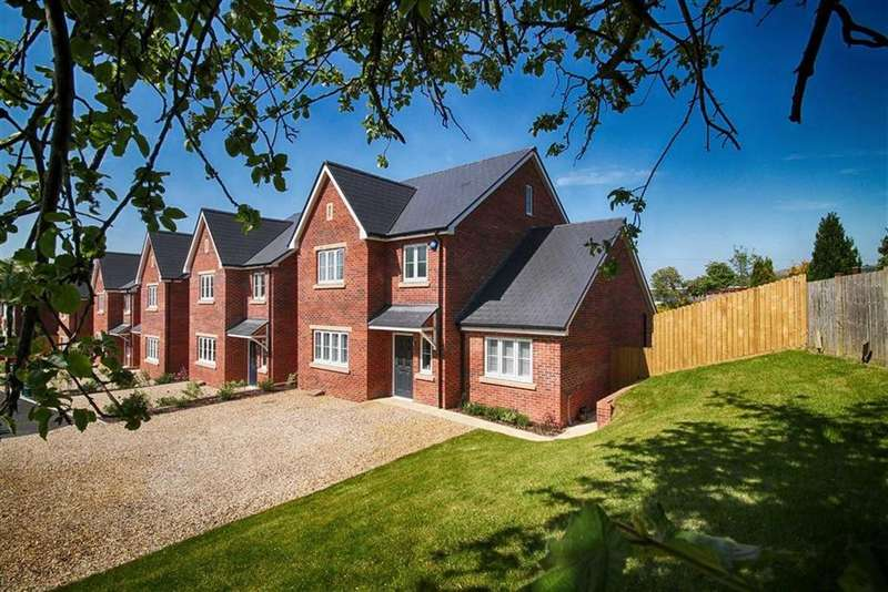 5 Bedrooms Detached House for sale in Sussex Mews, Cheltenham, GL52