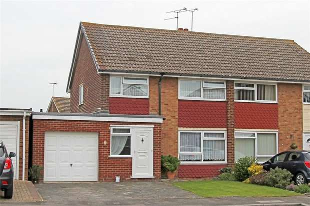 3 Bedrooms Semi Detached House for sale in Roper Road, Teynham, Sittingbourne, Kent