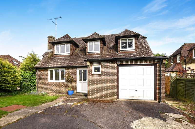 3 Bedrooms Detached House for sale in Storrington Road, Thakeham, RH20