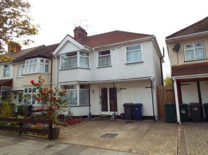 5 Bedrooms House for sale in Colin Gardens, Colindale, London