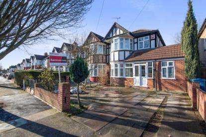 4 Bedrooms End Of Terrace House for sale in Kenmore Avenue, Harrow, Middlesex