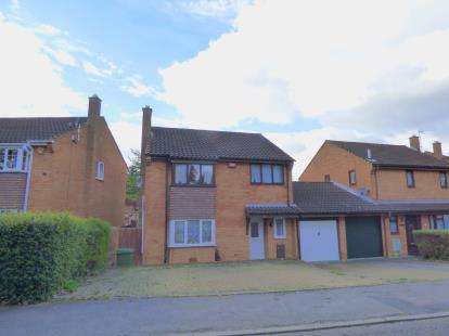 4 Bedrooms Detached House for sale in The Boundary, Oldbrook, Milton Keynes, Buckinghamshire