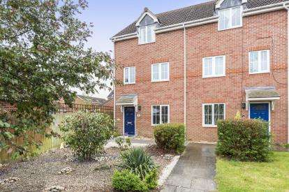 4 Bedrooms End Of Terrace House for sale in Thatcham Avenue Kingsway, Quedgeley, Gloucester, Gloucestershire